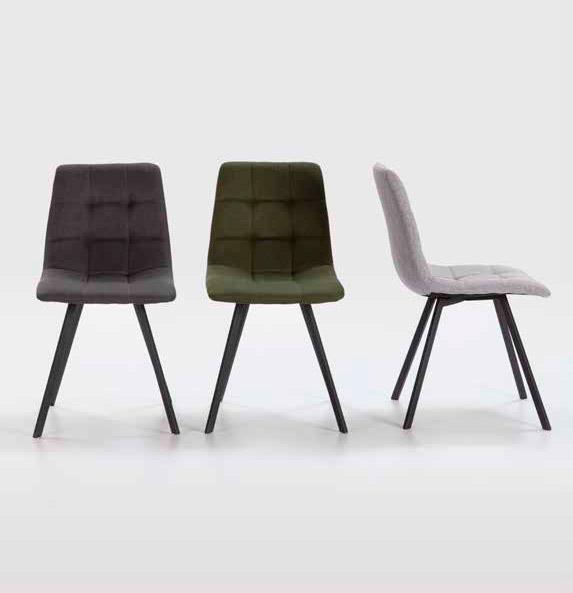 Imagen de varias sillas de la Serie Levi